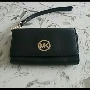 Michael Kors  wristlet cell phone wallet